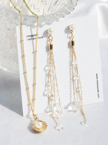 Dazzling earring necklace set / non-piercing