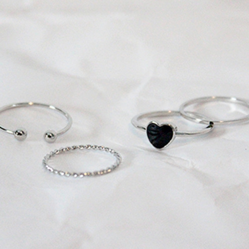 Heart rings set