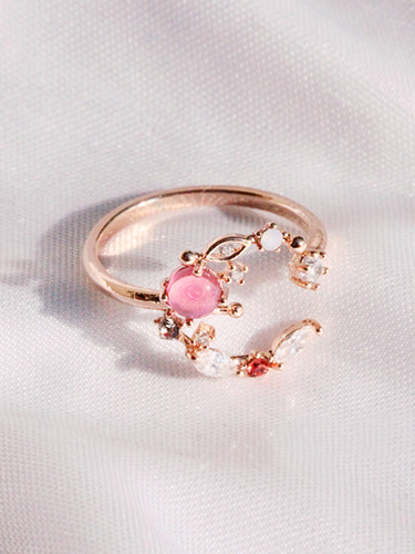 Love moon ring